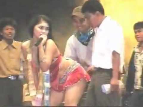 Look at this. How can people not like dangdut?!